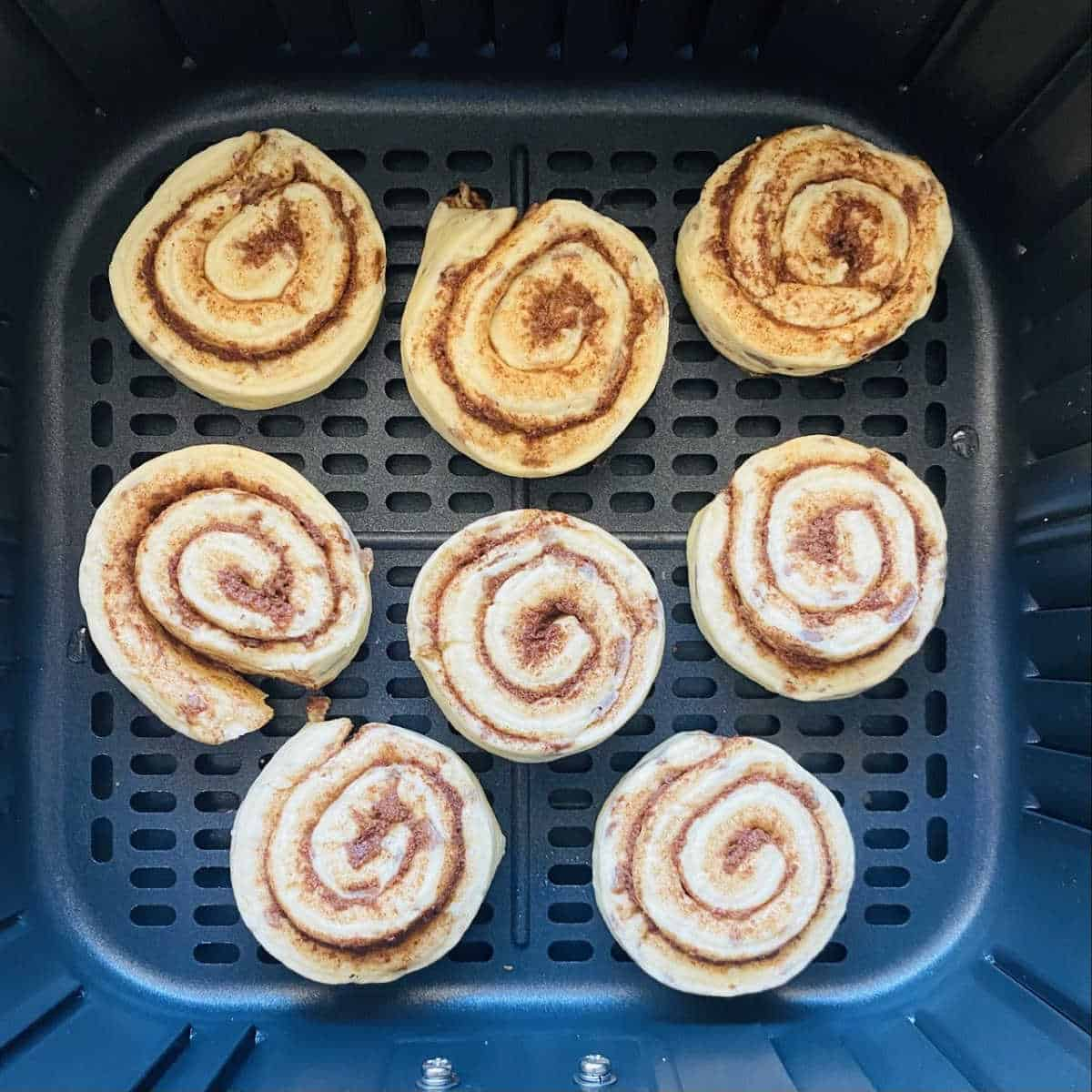 how to cook cinnamon rolls in an air fryer